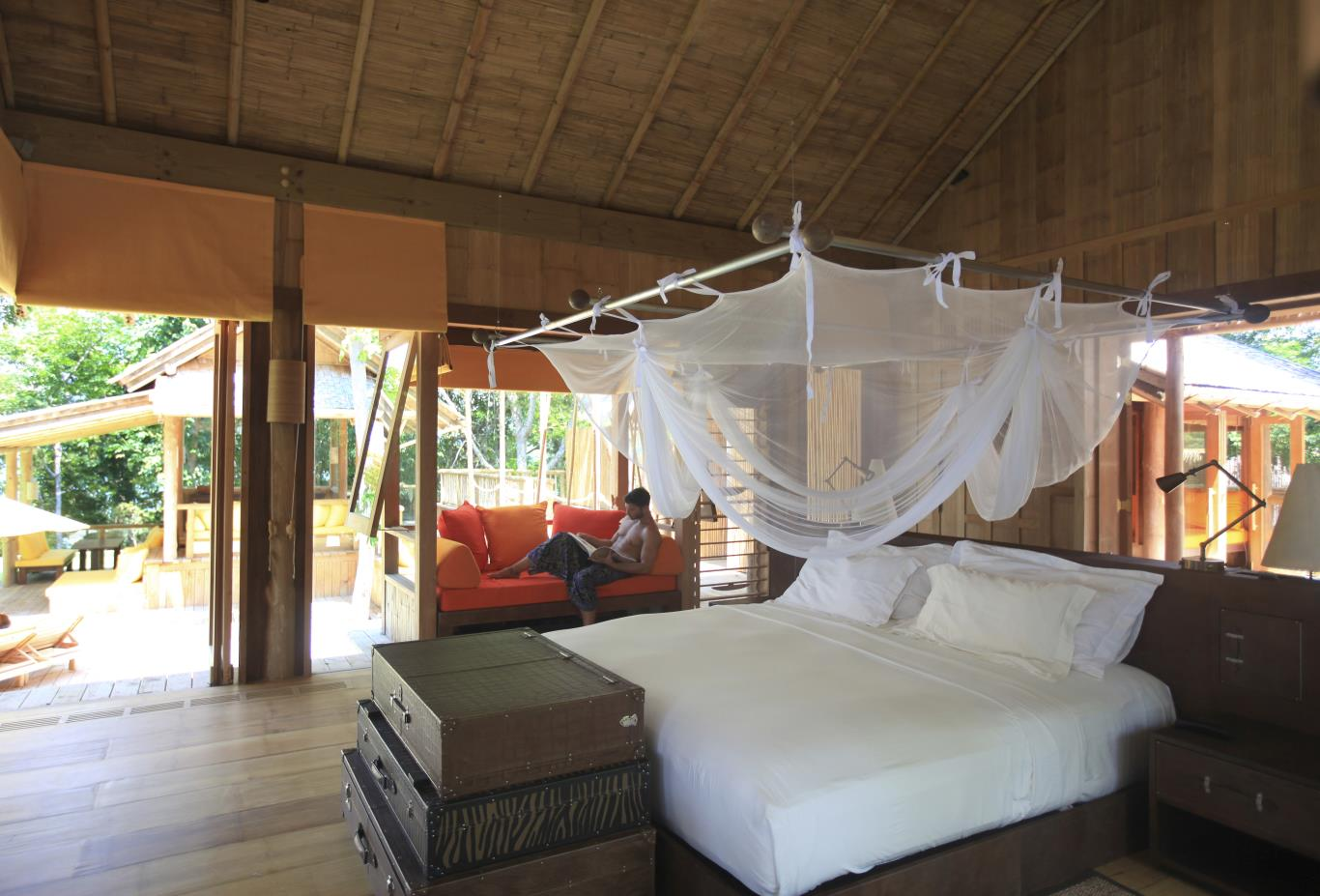 Cliff Pool Villa Suite bedroom